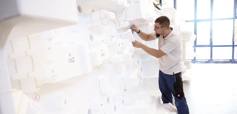 Urformen aus Exporit bilden die Vorlage für Karosserie-Presswerkzeuge. Auf die Fertigung dieser Formen versteht sich der Modellbau Ingo Leistner aus Aue. das ERP-System Deleco sorgt dabei für die nötige Flexibilität.