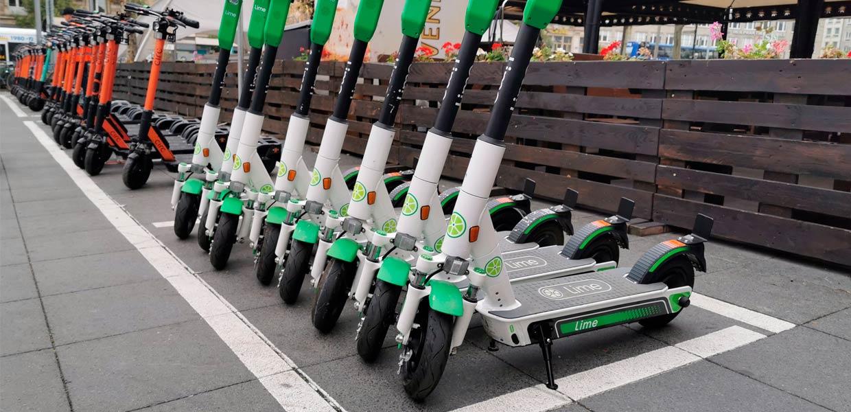 E-Roller und weitere Mikromobile erhalten als Glieder einer durchgängigen Mobilitätskette zunehmende Bedeutung. Dem tragen Chemnitzer Wissenschaftler mit der Gründung des ersten Clusters für Mikromobilität in Deutschland Rechnung.