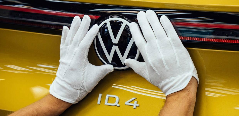 Welt-Auto des Jahres 2021 – der neue vollelektrische ID.4, der im VW-Werk Zwickau gebaut wird.