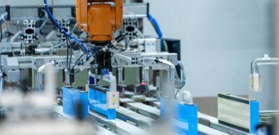 Im BMW-Werk Leipzig ist die Serienproduktion von Batteriemodulen für E-Antriebe angelaufen.
