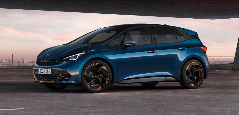 Seat hat die Serienversion des Cupra Born präsentiert. Der Stromer auf MEB-Basis wird ab September dieses Jahres im Volkswagen-Werk Zwickau produziert.