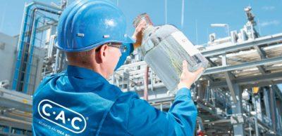Nachhaltiger KraftstoffDie Chemieanlagenbau Chemnitz GmbH (CAC) hat einen Prozess zur Erzeugung von synthetischem Benzin nur aus Kohlendioxid, Strom und Wasser entwickelt – ganz ohne fossile Brennstoffe.