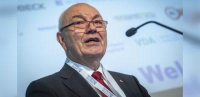 Dr. Dieter Pfortner ist Präsident der Industrie- und Handelskammer Chemnitz. Seit 2018 übt er dieses Ehrenamt aus. In dieser Zeit hat der Wirtschaftsexperte mit rund 30 Jahren Erfahrung in der Zulieferindustrie das Format des Internationalen Jahreskongresses der Automobilindustrie wesentlich mit weiterentwickelt.