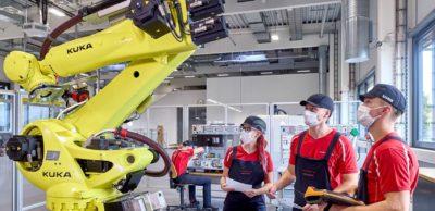 Neue Räumlichkeiten und moderne Technik stehen auf 1.600 Quadratmetern zur Erstausbildung und Qualifizierung bereit. Pünktlich zum Beginn des neuen Lehrjahres ging das erweiterte Ausbildungszentrum im Porsche-Werk Leipzig in Betrieb.