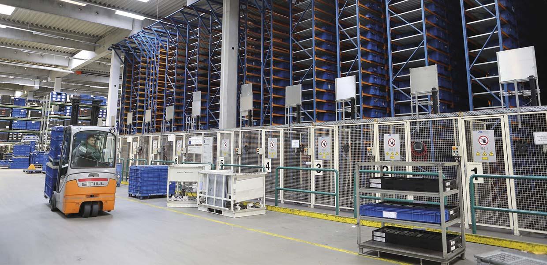 Schnellecke versorgt von Glauchau aus das Zwickauer Werk von Volkswagen Sachsen und bringt Teile und Komponenten zeit- und sequenzgenau an den jeweiligen Einbautakt.