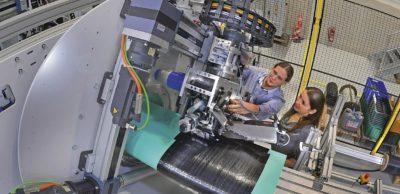 Eine weltweit einzigartige Pilotanlage der Orbitalwickeltechnologie zur Fertigung komplexer Strukturbauteile ist Teil der Chemnitzer Leichtbau-Kompetenzen. Die Stadt gehört mit ihren Forschungseinrichtungen und Unternehmen zu einem führenden europäischen Leichtbau-Standort.