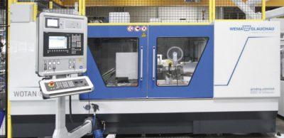Mit der Wotan S3A bietet die WEMA Glauchau eine kompakte Maschine für individuelle Schleifoperationen bis hin zu einer vollautomatisierten Serienfertigung.
