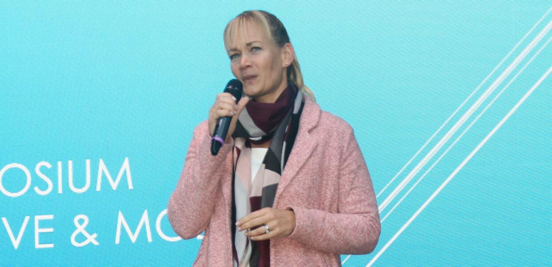 Die ehemalige Bundesliga-Schiedsrichterin Bibiana Steinhaus-Webb beleuchtete die Themen Wandel und Veränderungsbereitschaft aus einem nicht-automobilen Blickwinkel.